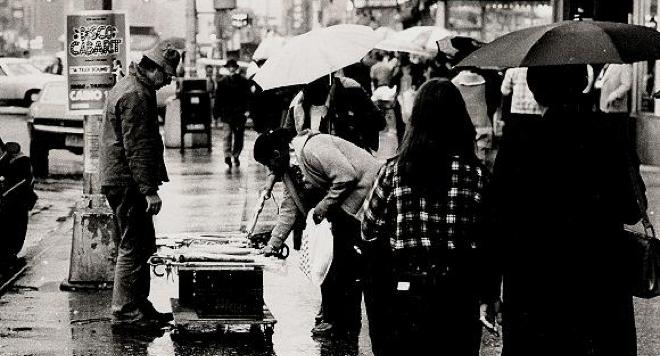 selling umbrellas c7
